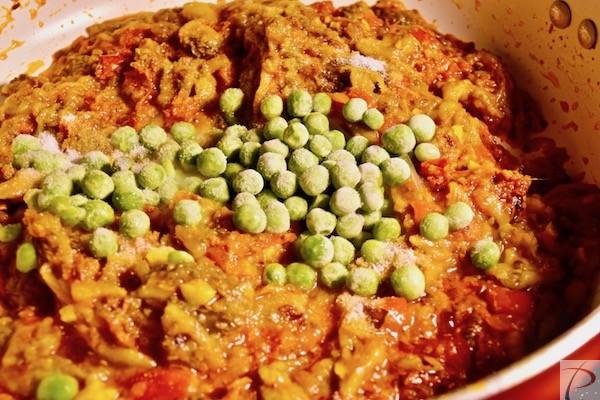 मटर, नमक मिलाएं add Salt, peas