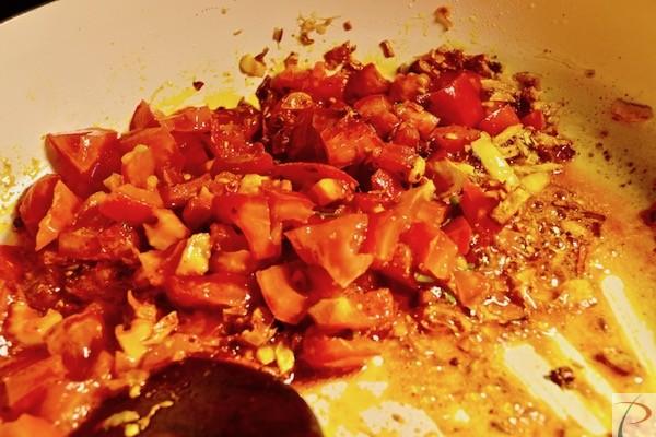 टमाटर मिलाएं add tomato