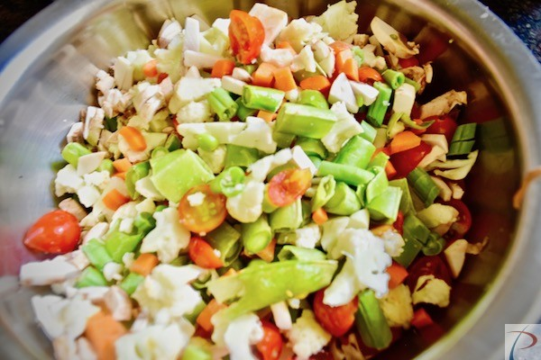 बारीक़ कटे हुई सब्जियां Chopped veg