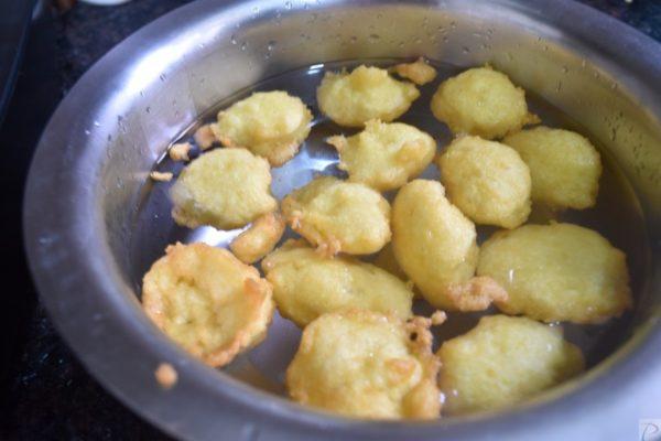 Moong Dal Vade soaked in water मूँग दाल के बड़े पानी में भीगे हुए