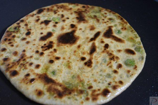 Matar ka Paratha मटर का पराठा