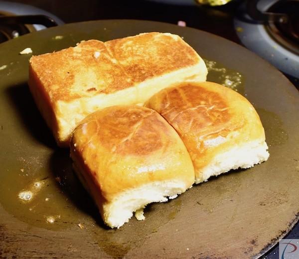 Pav ready सिके हुए पाव