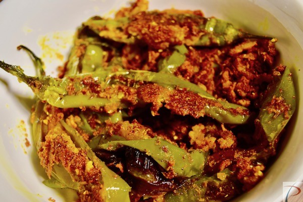 मोटी हरी मिर्च की सब्जी moti hari mircha sabji