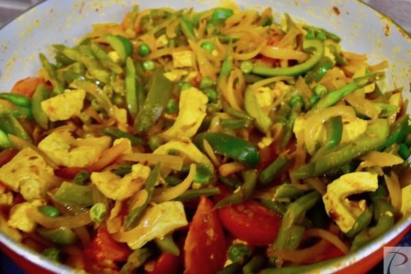 सब्जी बनते हुए veg in making
