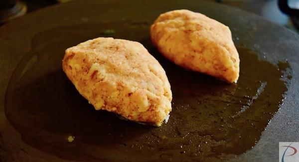 आलू काठी रोल कटलेट्स तवे पर kathi roll cutlets on tawa