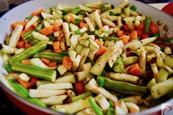 कटी हुई सब्जी मसाले में veg in masala