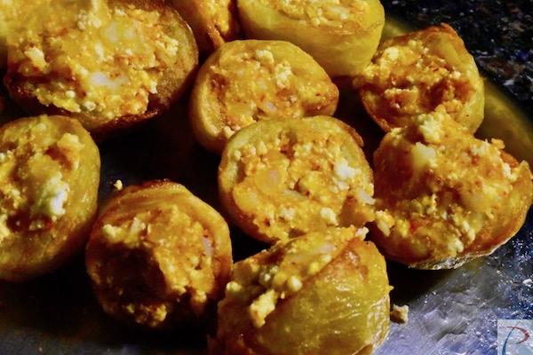 आलू में मसाला भरा हुआ potato with filling