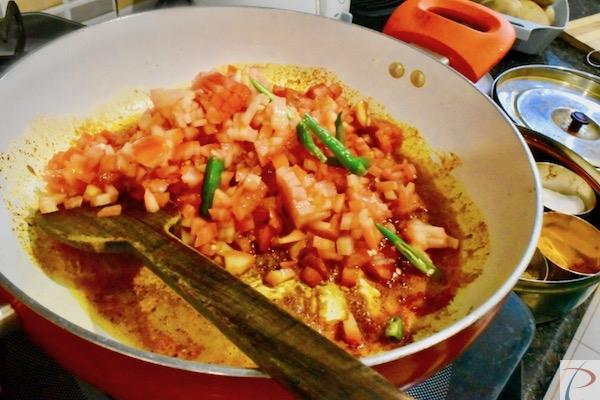 टमाटर कड़ाही में tomatoes in kadahi