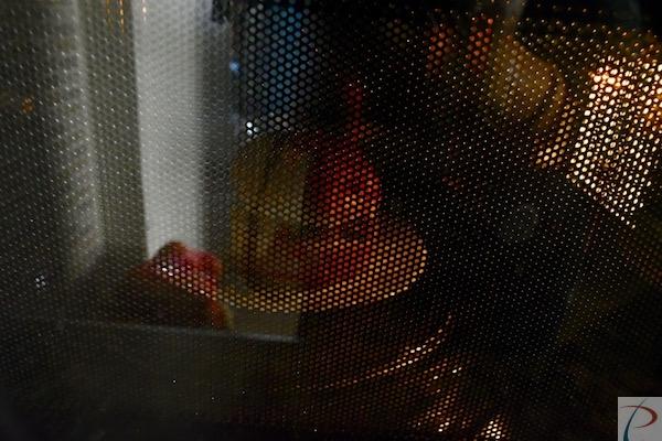 माइक्रोवेव में burger in microwave